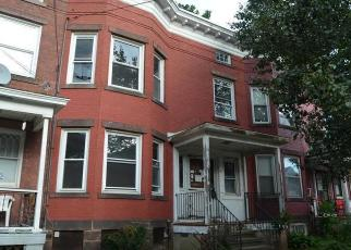 Foreclosed Home in 3RD AVE, West Haven, CT - 06516