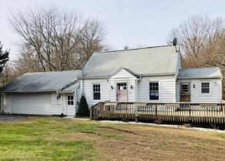 Foreclosed Home in STRAITSVILLE RD, Prospect, CT - 06712
