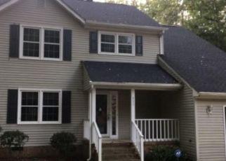 Foreclosed Home en HUNTINGTON WAY, Smithfield, VA - 23430