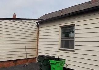Foreclosed Home en ELLISON RD, Cleveland, OH - 44121