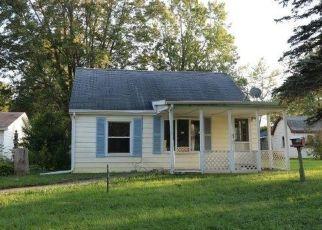 Casa en ejecución hipotecaria in Burton, MI, 48509,  MERCURY AVE ID: F4309116