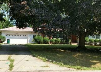 Foreclosed Home en TECUMSEH RIVER RD, Lansing, MI - 48906