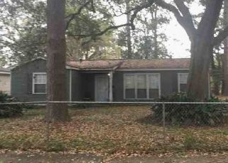 Foreclosed Home in SATINWOOD DR, Baton Rouge, LA - 70812
