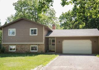 Foreclosed Home en EASTWOOD RD, Saint Paul, MN - 55112