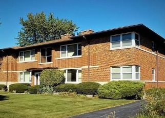 Foreclosed Home en BALMORAL AVE, Westchester, IL - 60154
