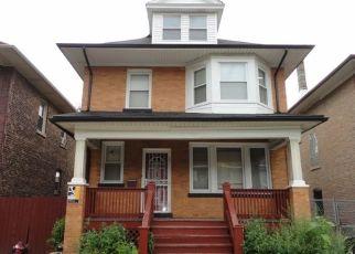 Foreclosed Home en E 74TH PL, Chicago, IL - 60649