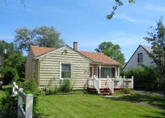 Foreclosed Home en W 114TH PL, Worth, IL - 60482