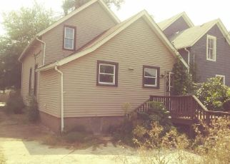 Foreclosed Home en BURR OAK AVE, Blue Island, IL - 60406