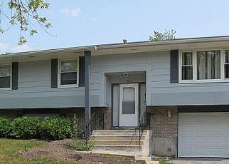 Foreclosed Home en LOCUST DR, Hazel Crest, IL - 60429