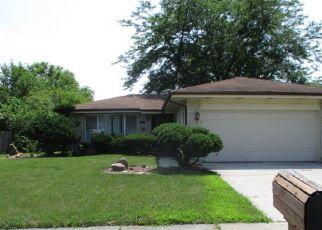 Foreclosed Home en FOX RUN LN, Matteson, IL - 60443