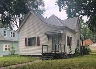 Foreclosed Home in PARK AVE, Pekin, IL - 61554