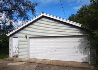 Foreclosed Home in HAWTHORNE AVE, Mokena, IL - 60448