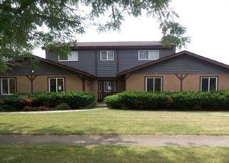 Foreclosed Home en SILVER MAPLE LN, Joliet, IL - 60433