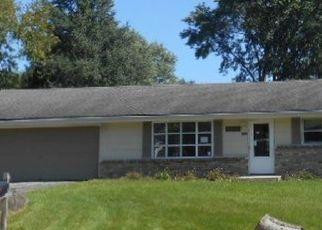 Foreclosed Home in BOX ELDER LN, Rockford, IL - 61109
