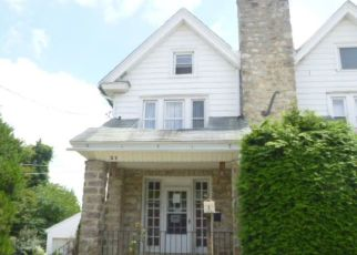 Foreclosed Home en COLUMBUS AVE, Havertown, PA - 19083