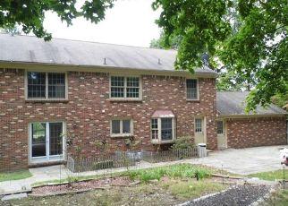 Foreclosed Home en CHRISTLER CT, Coraopolis, PA - 15108