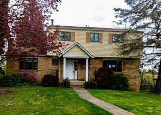 Foreclosed Home en RUSHMORE DR, Pittsburgh, PA - 15235