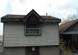 Foreclosed Home en MARYLAND AVE, Glassport, PA - 15045