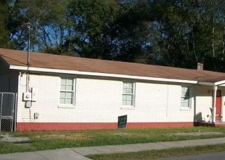 Foreclosed Home en FAIR ST, Savannah, GA - 31408