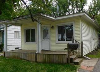 Foreclosed Home en PRINCETON RD, Berkley, MI - 48072