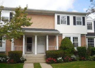 Foreclosed Home en GLEN WAY, Syosset, NY - 11791