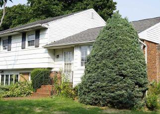 Foreclosed Home en MARSAK LN, Syosset, NY - 11791