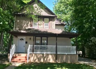 Foreclosed Home in ELM AVE, Hempstead, NY - 11550