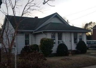 Foreclosed Home in FRONT ST, Uniondale, NY - 11553