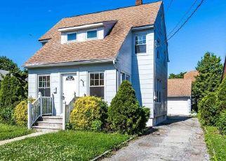 Foreclosed Home en POPLAR ST, West Hempstead, NY - 11552