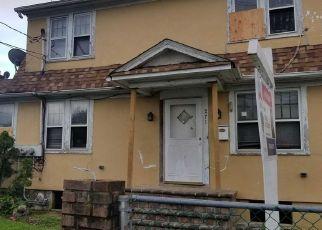 Foreclosed Home en BABYLON TPKE, Freeport, NY - 11520