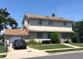 Foreclosed Home in CEDAR ST, Freeport, NY - 11520