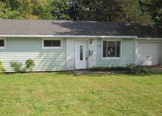 Foreclosed Home en FAIRFIELD DR, Syracuse, NY - 13212
