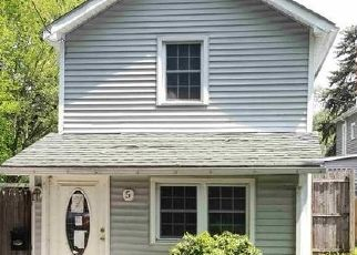 Foreclosed Home en LOCUST ST, Walden, NY - 12586
