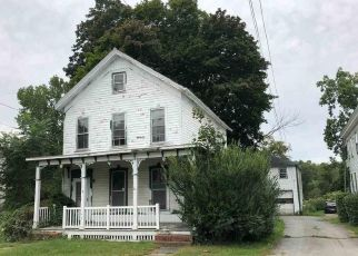 Foreclosed Home en STATE ST, Valley Falls, NY - 12185