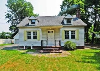 Foreclosed Home en SOUTHERN BLVD, Nesconset, NY - 11767