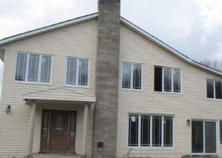 Foreclosed Home en CAMPBELL RD, Napanoch, NY - 12458