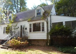 Foreclosed Home en S CLINTON AVE, Hastings On Hudson, NY - 10706