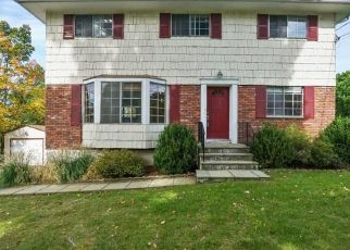 Foreclosed Home in STONEGATE RD, Ossining, NY - 10562