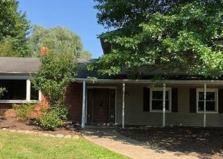 Foreclosed Home en RUSSELL LN, Novelty, OH - 44072