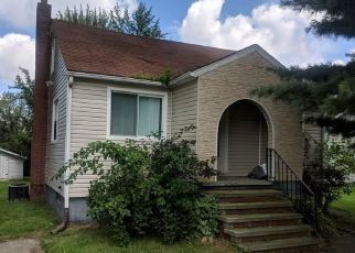 Foreclosed Home en ELMWOOD ST, Elyria, OH - 44035