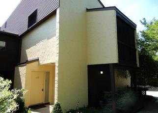 Foreclosed Home en HAMPTON RIDGE DR, Akron, OH - 44313