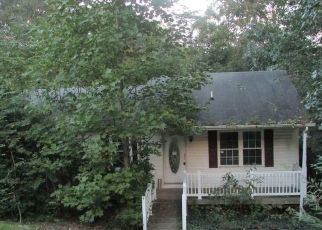 Foreclosed Home en CHAVES LN, Lusby, MD - 20657