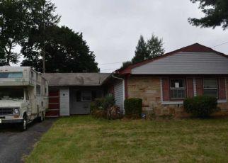 Foreclosed Home in GOODWIN LN, Willingboro, NJ - 08046