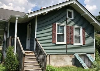 Foreclosed Home in PERRYVILLE RD, Pittstown, NJ - 08867
