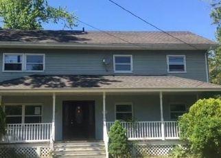 Foreclosed Home in E BAY AVE, Barnegat, NJ - 08005