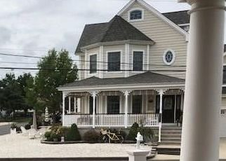 Foreclosed Home in OCEANIC DR, Toms River, NJ - 08753
