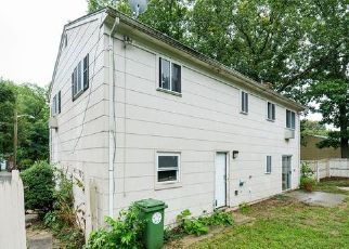Foreclosed Home in TALL OAKS RD, Somerset, NJ - 08873