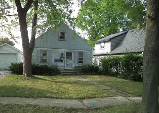 Foreclosed Home en W MONTROSE AVE, Milwaukee, WI - 53219