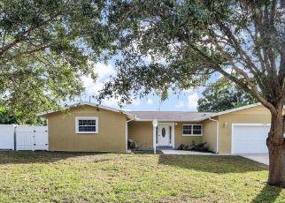 Foreclosed Home en CRESCENT DR, Largo, FL - 33770