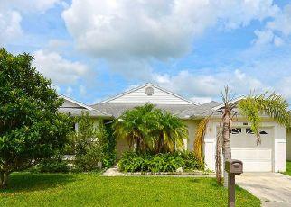 Foreclosed Home en TULIPAN, Fort Pierce, FL - 34951
